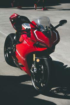Ducati 1199 Panigale R. Beautiful Beaux