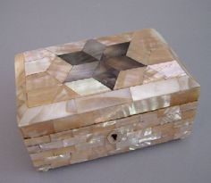 VICTORIAN mother-of-pearl jewelry box