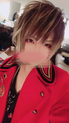 Mafu's twitter updated >> あげわすれたた XYZは運営さんが衣装を用意してくれるんだけど、バレンタインっぽく明るめのやつにしてくれたっ(暑くて一瞬でぬいだ)