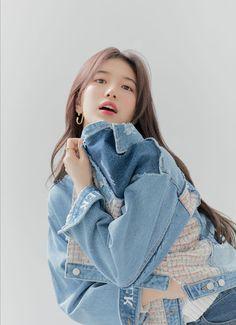 Bae Suzy, Korean Actresses, Asian Actors, Korean Actors, Cute Korean, Korean Girl, Wide Jeans, Girl Photo Shoots, Korean Celebrities