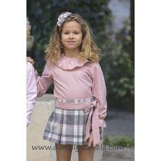 270883e1c Conjunto de blusa rosa y falda de cuadros de La Ormiga