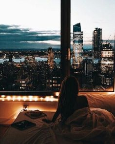 Dream life, waking up with a view on the whole city Living Haus, City Living, Living Rooms, Destination Voyage, Concrete Jungle, Adventure Is Out There, Travel Goals, Oh The Places You'll Go, Adventure Travel