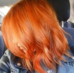 Talk about a perfect color for fall! @slmartucci rockin' some Vibrant Orange!