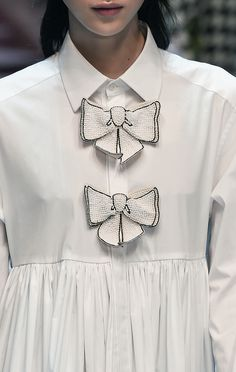 White Shirt Dress with beaded bow detail; chic fashion details // Dolce & Gabbana Fall 2016
