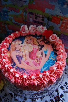 MojaKuchniaMalutka i reszta domu : Różowy tort Barbie mega czekoladowy
