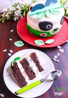 Gâteau panda poire, vanille et chocolat #cakedesign #layercake #pateasucre #recette Cake Chocolat, Macaron, Panda, Sweets, Passion, Food, Design, Raspberry, Kitchens