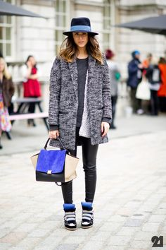 The whole look: Balenciaga leather leggings, Zara hat, Maje coat, Celine bag, and Isabel Marant shoes. Street Style Chic, Sneakers Street Style, Looks Street Style, Wedge Sneakers, Sneaker Wedges, Sneakers Smart, Sneaker Street, Blue Sneakers, Sneakers Fashion