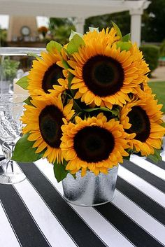 Sunflowers plus black and white stripes - a few of my favorite things!