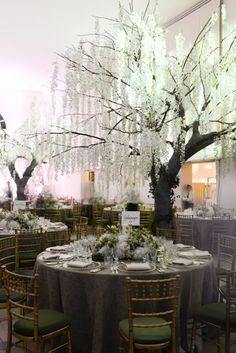 Kensington Palace and Kew Gardens wedding by Nikki Tibbles wild at heart