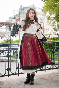 Simona Moon - Traditional costume Margau, Cluj