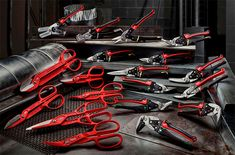 Milwaukee is coming out with some new tinner snips and sheet metal forming tools. Some sport classic designs, while others have some innovative and appealing features. Milwaukee Hand Tools, Metal Scissors, Sheet Metal Tools, Makita Tools, Cordless Power Tools, Metal Forming, Construction Tools, Metal Shop, Tool Storage
