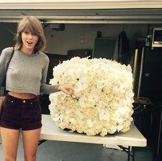taylorswift: Awwww Kanye sent me the coolest flowers!! #KanTay2020 #BFFs