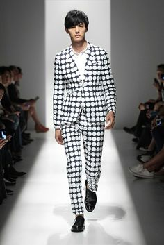 Statement polka dot suit for the bold and fashion forward - Pierre Balmain Spring/Summer 2013 (New York Fashion Week)
