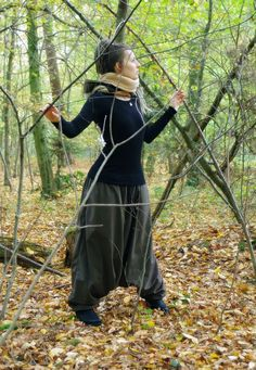 Forest Girl Winter Harempants with Fleece lining & hooded scarf #haremshose #harempants #winter #fleecefutter #lining #alternative #fashion #deutschland #kapuzenschal #festival #hippie #psytrance #forest #spirit #handmade