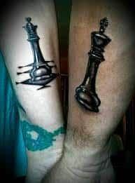 20 matching tattoo ideas for sisters tattoo designs chess ta Skull Couple Tattoo, Couple Tattoo Heart, Couple Tattoos, Romantic Couples Tattoos, Finger Tattoos For Couples, Sister Tattoo Designs, Couples Tattoo Designs, Trendy Tattoos, Unique Tattoos