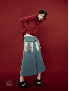 """Dreaming of Dior: """"Hide that Knee"""" Larissa Hofmann for L'Officiel France October 2015"""