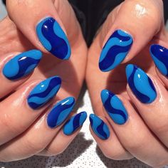 Semi-permanent varnish, false nails, patches: which manicure to choose? - My Nails Aycrlic Nails, Swag Nails, Manicures, Coffin Nails, Funky Nails, Fire Nails, Heart Nails, Minimalist Nails, Best Acrylic Nails