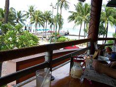 Lulu's Waikiki Beach Honolulu Hawaii, one of my favourite breakfast places….Starbucks  right below it!