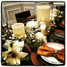 Holiday table setting #glitter #goldsilverwhite