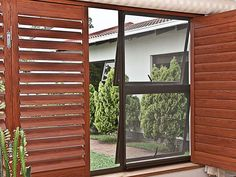 House of Supreme offers high-quality aluminium fly screens, Contact us today for the best flyscreen mesh & pet mesh in South Africa