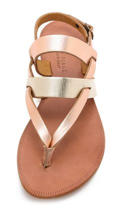 Strappy sandals http://rstyle.me/n/hkxw5n2bn