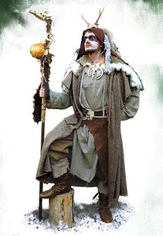 Costume Druid, Medieval - Medieval Clothing - Medieval Fantasy Costumes - Costume Druid, in the showed outfit you can see clearly the impressive ceremonial hood and gown. The used colours are the same of the tree bark. The strong material are perfect for the wild life of the forest guardian.
