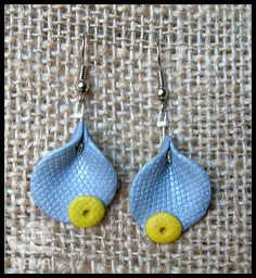 Fimo earrings ~ Texture stamping is a great idea ;)