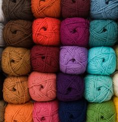 Knit Picks has a New Yarn!!  So excited to try the Brava worsted, the Brava Sport weight and the Brava Bulky.  Only $2,99 skein 136 yards, the colors are phenominal!