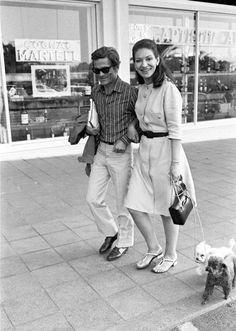 """Distracted Film on Twitter: """"SUNGLASSES: Pasolini and Maria Callas. 1971.… """" Maria Callas, Aristotle Onassis, Marylin Monroe, Venice Beach, Film Director, Feature Film, I Love Dogs, Style Icons, Pixie"""