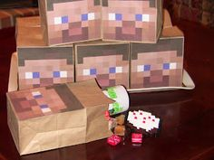 Minecraft Party- Games, Favors, and Decorations (just in case this is Tristan's fav for next year) Minecraft Party Bags, Minecraft Party Supplies, Minecraft Birthday Party, Minecraft Ideas, Minecraft Cake, Minecraft Crafts, Minecraft Stuff, Minecraft Skins, Minecraft Buildings