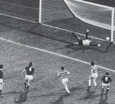 Charlie Nicholas scores for Celtic in the 1982 League Cup Final against Rangers. English Football League, Celtic Fc, Glasgow, Scores, Ranger, Goals, Bobby, Basketball, Twitter