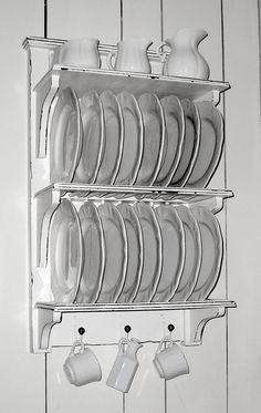 Plate Rack, to show off my non-matching set