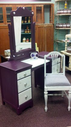 Pretty in Purple, painted using New Beginnings Chalk/Clay Paint Powder Additive
