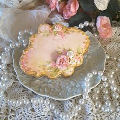 Decorated cookies, mothers day cookies, spring cookies, bridal shower cookies, hand painted and piped cookies Mother's Day Cookies, Fancy Cookies, Cake Cookies, Sugar Cookies, Butterfly Cookies, Flower Cookies, Vintage Cupcake, Vintage Cookies, Cookie Frosting