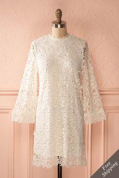 Robe droite blanche à dentelle - White lace shift dress