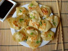Pork and Ginger Pot Stickers- definitely making these for an asian themed dinner. i'm thinking cashew chicken lettuce wraps, too! Pork Pot Stickers, Pot Stickers Recipe, Healthy Sesame Chicken, Cashew Chicken, Asian Recipes, Ethnic Recipes, Oriental Recipes, Asian Foods, Chinese Recipes