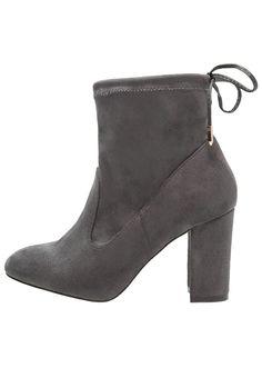 Enkellaarsjes Dorothy Perkins ALISA - Korte laarzen - grey Grijs: € 44,95