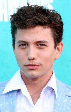 TWILIGHT stars at the 2012 MTV Movie Awards