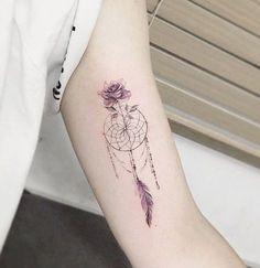 60 Dreamcatcher Tattoo Designs for Women Dreamcatcher with rose tattoo – 60 Dreamcatcher Tattoo Designs for Women ♥ ♥ Tattoos Mini Tattoos, Trendy Tattoos, New Tattoos, Body Art Tattoos, Small Tattoos, Tattoos For Guys, Sleeve Tattoos, Tatoos, Stomach Tattoos