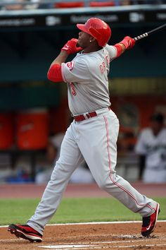 Ken Griffey Jr. -June 8, 2008 vs Florida hits 600th career home run to become the 6th to that mark