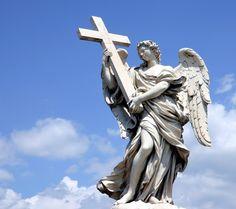 angel con cruz