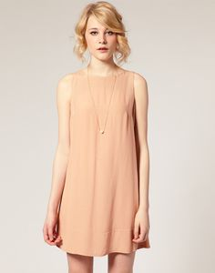 nude sleeveless look for summer, cute dress!