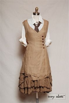 Vintage Inspired Women's Clothing - Ivey Abitz Reminds me of Hogwarts Steampunk Costume, Steampunk Fashion, Casual Steampunk, Victorian Steampunk, Girl Japanese, Japanese Fashion, Mode Hippie, Vintage Outfits, Vintage Fashion