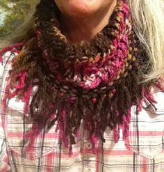 Loom knitted fringed cowl scarf. (Loom knitting)