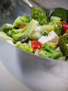 Rezept für einen Brokkoli Salat Low Carb | www.goldblatt-blog.de