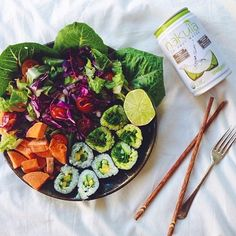 Image about food in Healthy eating by LorriG on We Heart It I Love Food, Good Food, Yummy Food, Healthy Snacks, Healthy Eating, Healthy Recipes, Veggie Sushi, Sushi Salad, Clean Eating