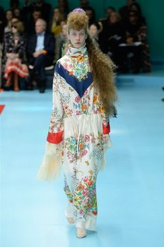 43e70be7efc Gucci  Ready-to-wear Fall Winter 2018-2019. Couture AccessoriesCouture  CollectionFashion Show CollectionMilan Fashion WeeksFashion ...