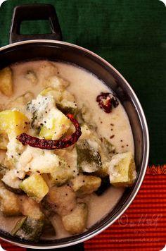 Kembude Kai Bendhi | Pumpkin and Cashews in Coconut Gravy Recipe