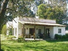 Estilos - Constructora Pampa - San Antonio de Areco Spanish Bungalow, Adobe House, Small Cottages, Family House Plans, Home Deco, Beautiful Homes, Building A House, Pergola, Sweet Home