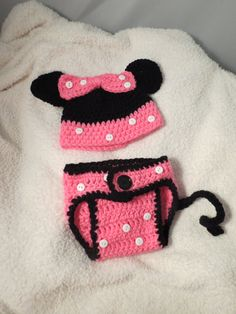 Minnie Mouse Diaper Cover and Hat by BabyCakesbyJess on Etsy, $20.00... again if baby #3 were ever in our future!?